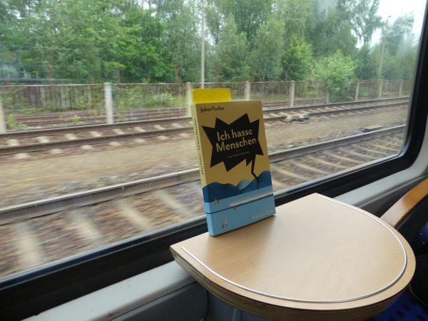 """""""Ich hasse Menschen"""" ‒ Von Zugfahrten und Gedankensprüngen"""